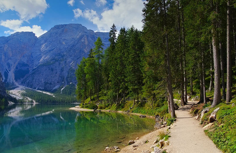 Soggiorno lago di braies for Soggiorno lago