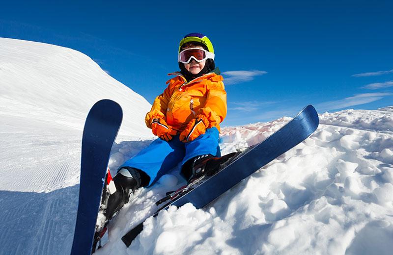 Divertimento - Il giusto abbigliamento da sci per bambini 5f5ace23cc4